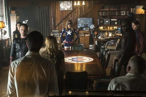 """DC's Legends of Tomorrow --""""The Justice Society of America""""-- Image LGN202b_0168.jpg -- Pictured: (L-R): Maisie Richardson-Sellers as Amaya Jiwe/Vixen, Patrick J. Adams as Hourman, Brandon Routh as Ray Palmer/Atom, Caity Lotz as Sara Lance/White Canary, Sarah Grey as Stargirl, Kwesi Ameyaw as Dr. Mid-Nite, Dan Payne as Obsidian, Matthew MacCaull as Commander Steel and Dominic Purcell as Mick Rory/Heat Wave -- Photo: Katie Yu/The CW -- © 2016 The CW Network, LLC. All Rights Reserved."""