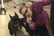 carrie-fisher-s-dog-gary-pays-respect-to-mum-573437