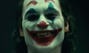 Joker-Joaquin-Phoenix-Full-Makeup
